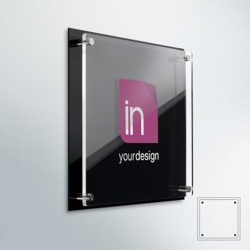 Targa professionale in plexiglass DualPlate quadrata: fondo plexiglass nero lucido