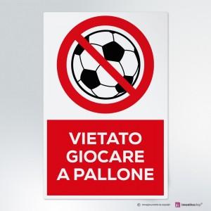 Cartello vietato giocare a pallone