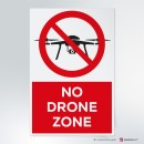 Cartello plexiglass ( cm 13 x 20 ) su parete con distanziatori: No drone zone