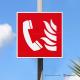 Cartello alluminio con supporto per palo zincato: Telefono d'emergenza antincendio F006