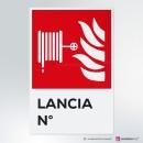 Cartello plexiglass ( cm 13,3 x 20 ) su parete con distanziatori: Lancia antincendio numerata