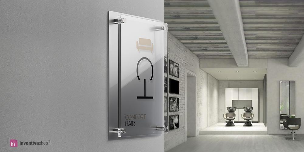 Targa per parrucchieri: doppia lastra in plexiglass con logo e orari.